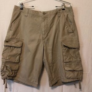 Men's Lee cargo shorts size 36